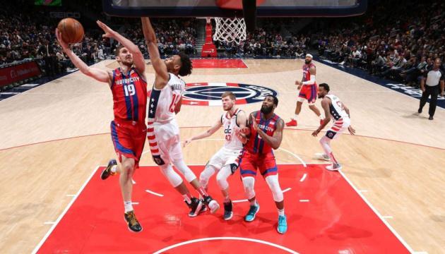 Михайлюк набрал 10 очков в матче НБА