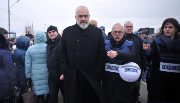 Le président de l'OSCE s'est rendu au point de contrôle à Stanytsya Louhanska