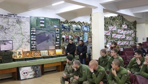 Мандрівна виставка про події на Донбасі розпочала роботу в Одесі