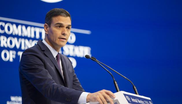 Премьер Испании - на самоизоляции после встречи с Макроном