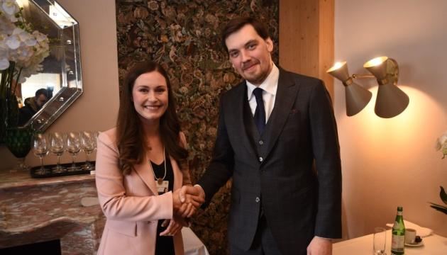 Гончарук на встрече с премьером Финляндии в Давосе призвал инвестировать в Украину