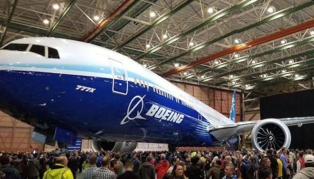 Boeing отложил первый полет 777X