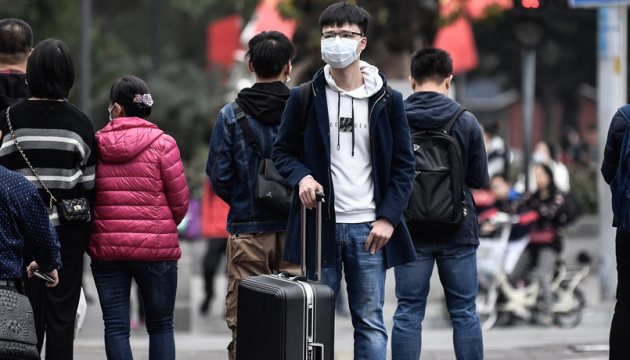 В Китае почти 1300 человек инфицированы коронавирусом, более 40 скончались