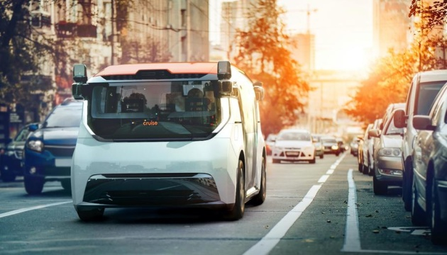 General Motors представила безпілотний шаттл