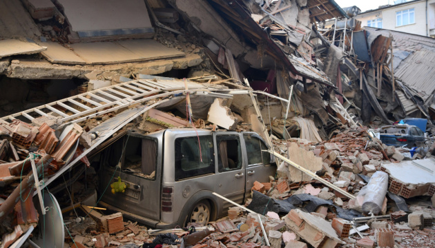 Євросоюз висловив готовність допомогти Туреччині після руйнівного землетрусу