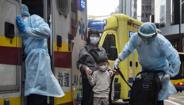 У Гонконгу через коронавірус закривають всі школи