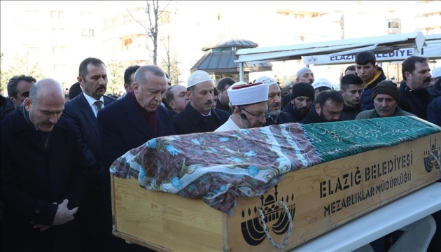 Ердоган приїхав на похорон жертв руйнівного землетрусу
