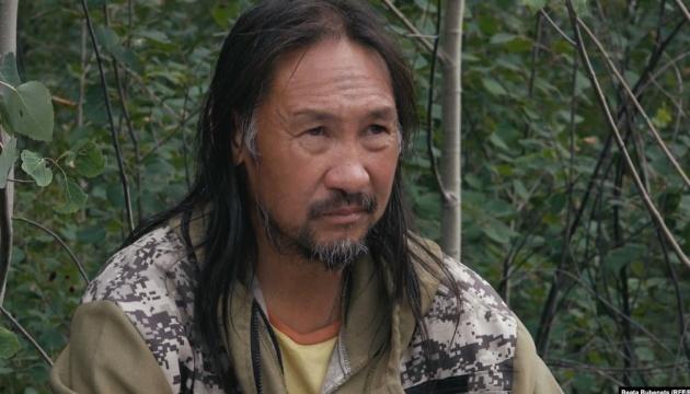 Суд РФ виправдав примусове лікування шамана, який йшов