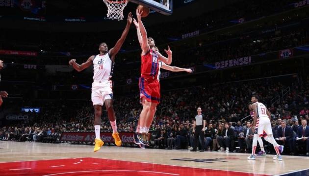 НБА: 19 очков Михайлюка не помогли «Детройту» обыграть «Бруклин»