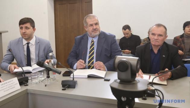 Чубаров каже, що дослідження про кримських татар запізнилося на 20-30 років