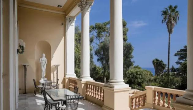 大富豪のアフメトフ氏、南フランスの保養地にて高級別荘を購入