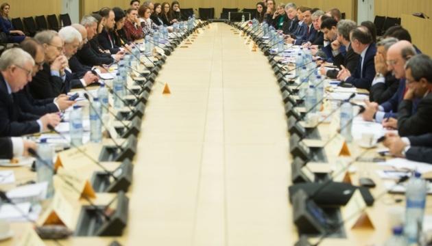 Порошенко закликає НАТО ухвалити політичне рішення про надання Україні ПДЧ