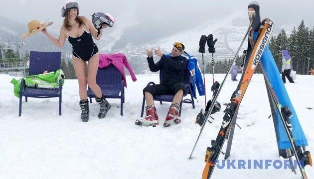 Todas las estaciones de esquí cubiertas de nieve en Zakarpatia