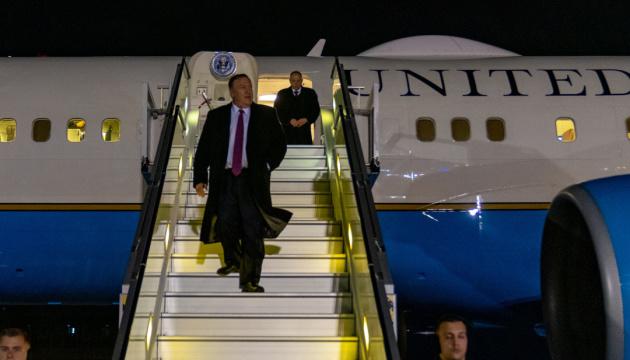 ポンペオ米国務長官がキーウに到着