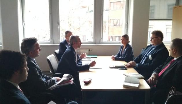 Тривають переговори про зняття обмежень на експорт української курятини до ЄС