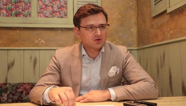 Українська на ТБ не повинна бути лише мовою