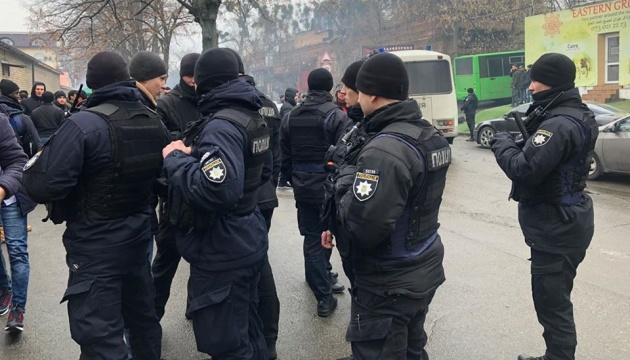 Чубаров обурений діями міграційної служби біля мечеті у Києві