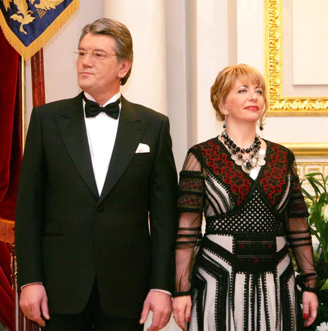 4. Катерина Ющенко в інаугураційній сукні із чоловіком