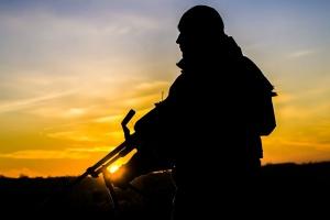 На Донбасі боєць ООС підірвався на невідомому вибуховому пристрої