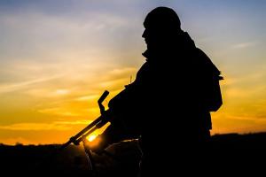 Donbass: Besatzer brechen sechs Mal Waffenruhe, ein ukrainischer Soldat getötet