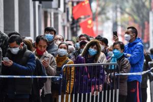 Через коронавірус у Китаї почали затримувати зарплати