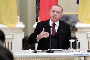 Ердоган обіцяє допомогти Україні з респіраторами та захисними костюмами