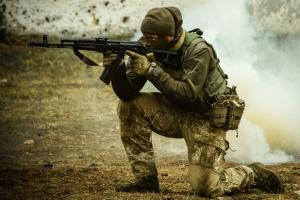 """Окупанти 12 разів порушили """"тишу"""", під Миронівським гатили зі 120 калібру"""