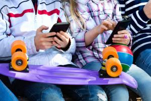 Гаджеты могут замедлить развитие словарного запаса ребенка