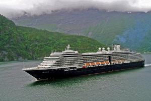 Власти Сингапура запретили въезд иностранным пассажирам лайнера Westerdam