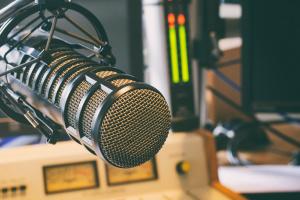 """""""Київ FM"""" повністю відмовилася від російськомовних пісень"""