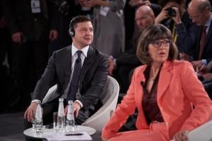 """Präsident Selenskyj: Dialog ist mit Bevölkerung aber nicht mit Anführern von """"Volksrepubliken"""" möglich"""