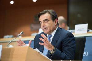 Віцепрезидент Єврокомісії Шинас захворів на COVID-19