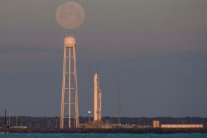 """Українсько-американська ракета """"Antares"""" вивела в космос корабель з вантажем для МКС"""
