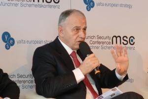 Rosja przekształciła Krym w wojskową fortecę - zastępca sekretarza generalnego NATO