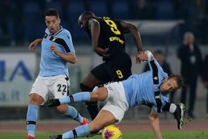 """Футболісти """"Лаціо"""" перемогли """"Інтер"""" і вийшли на друге місце в чемпіонаті Італії"""