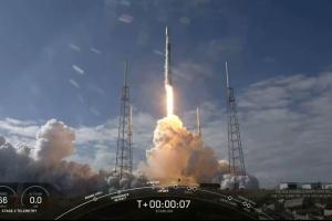 SpaceX вывела на орбиту 60 спутников Starlink для раздачи интернета