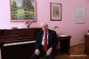 Український композитор присвятив пісню китайським медикам