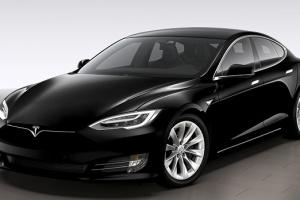 Маск увеличил запас хода в Tesla Model S до более чем 630 км