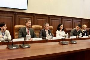 """Гроші партій у """"цифрі"""": НАЗК пропонує спростити фінансову звітність"""