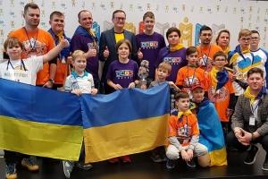 Юні українські робототехніки привезли низку нагород з міжнародного конкурсу в Чехії