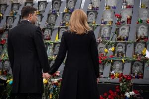 La pareja presidencial honra la memoria de la Centena Celestial