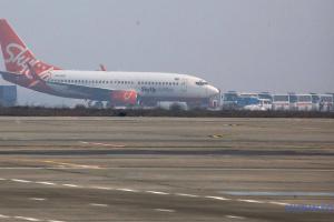 Літак з евакуйованими з Китаю українцями сів у Харкові
