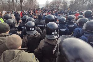 Суд арештував чотирьох учасників сутичок у Нових Санжарах
