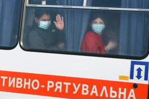 Автобуси з евакуйованими українцями проїхали міст через Ворсклу