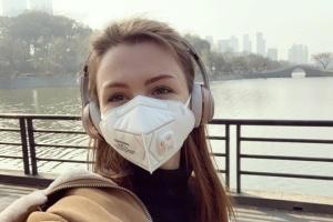 Ukrainerin bleibt wegen ihres Hundes in China: Selenskyj ruft sie an und verspricht Hilfe