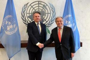 Kyslytsya presenta credenciales al secretario general de la ONU