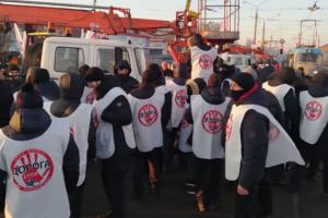 """У Харкові підприємці """"Барабашово"""" заблокували спецтехніку комунальників"""