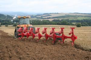На Чернігівщині фермер розорав під кукурудзу археологічні пам'ятки вартістю два мільярди