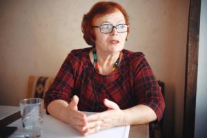 """Окупанти попередили сестру Джемілєва про """"неприпустимість несанкціонованих акцій"""""""