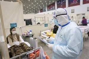 Коронавірус вже забрав життя понад 2440 осіб в Китаї